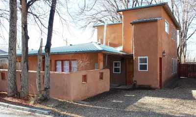 Single Family Home Active/Under Contract: 310 Montoya St