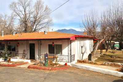 Taos County Single Family Home For Sale: 54 Old Santa Fe Road