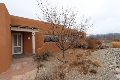Taos County Condo For Sale: 8 Cresta De La Luna