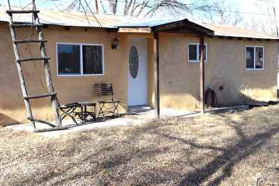 Taos County Single Family Home Active/Under Contract: 703 Don Roberto