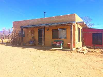 Taos County Single Family Home Active/Under Contract: 261 Lower Los Colonias