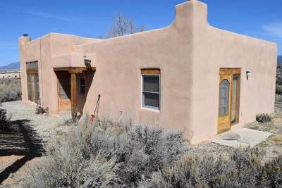 Ranchos De Taos NM Single Family Home For Sale: $239,000