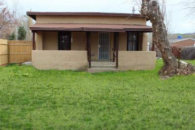 Taos Single Family Home For Sale: 301 Jaramillo Rd