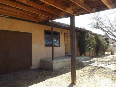Taos Single Family Home Active-Extended: 1020 Camino De La Serna