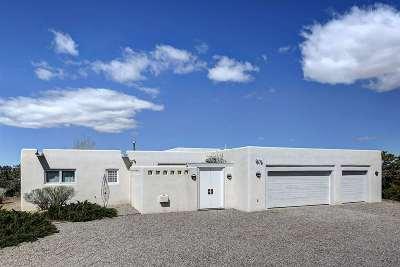 Taos County Single Family Home Active/Under Contract: 508 Camino Del Cielo