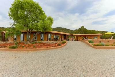 Taos County Single Family Home For Sale: 10 Sagebrush Trail