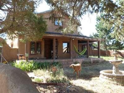 Taos Single Family Home Active/Under Contract: 2049 La Lama Road