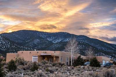 Taos County Single Family Home Active/Under Contract: 1127 Calle Del Oso