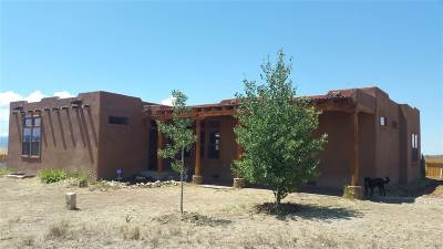 Taos County Single Family Home Active/Under Contract: 5 Avenida Nicolas