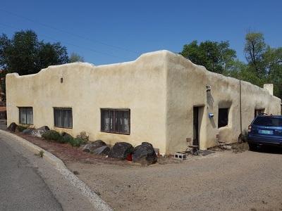 Taos Single Family Home For Sale: 124 La Loma Street