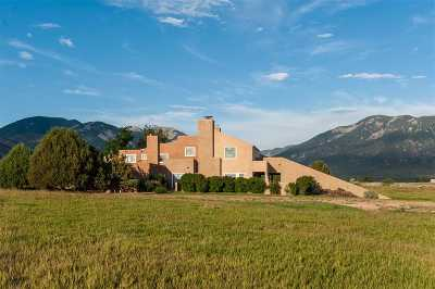 Single Family Home For Sale: Des Montes