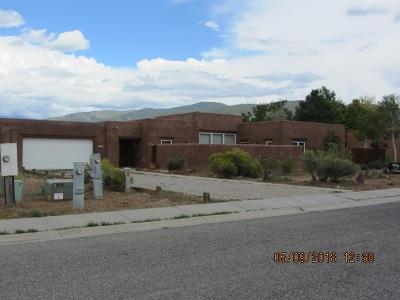 Taos Single Family Home Active/Under Contract: 366 Monte Vista Rd