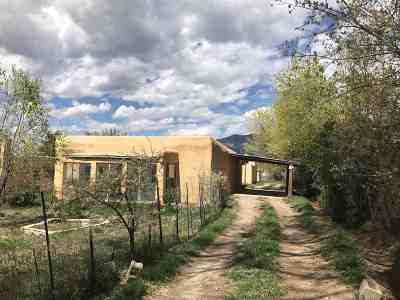 Taos County Single Family Home For Sale: 903 Baca Lane