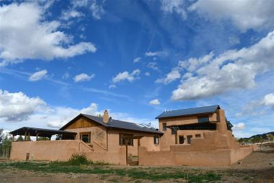 Taos County Single Family Home For Sale: 31 Sunset