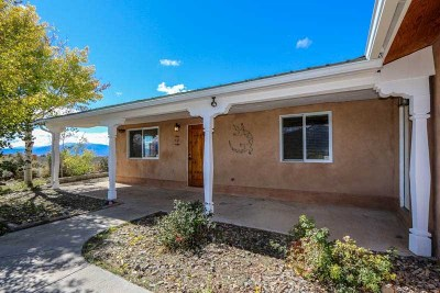 Taos County Single Family Home For Sale: 38 Colonias Pointe