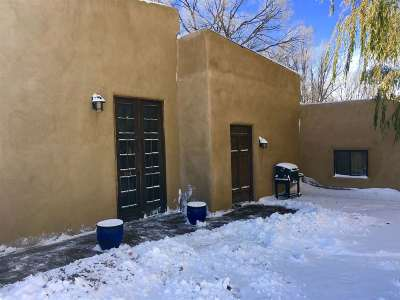 Taos County Single Family Home For Sale: 514 Conrad Lane
