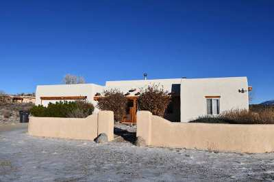 Taos Single Family Home Active/Under Contract: 21 Sugar Ln