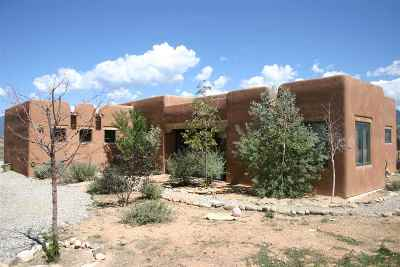 Taos County Single Family Home For Sale: 6 Calle Dona Sin Forosa