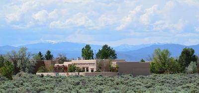Taos County Single Family Home Active/Under Contract: 31 Santo Domingo