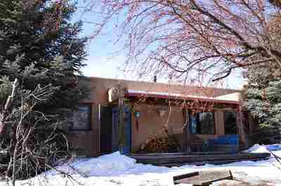 Taos Single Family Home For Sale: 308 Chamisa Rd