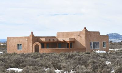 Taos Single Family Home For Sale: 194 W Romero Rd