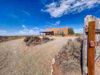 Taos County Single Family Home Active/Under Contract: 32 Colonias Pointe