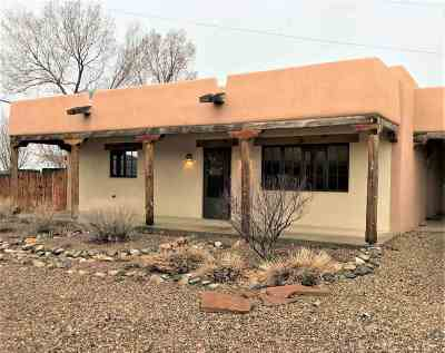 Taos Single Family Home For Sale: 64 Pond Village Court