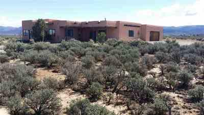Ranchos De Taos Single Family Home Active/Under Contract: 4b Calle De Guillermo