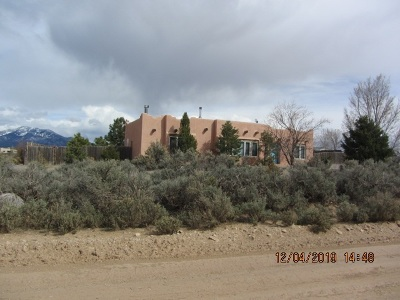 Single Family Home For Sale: 26 Coyote Loop