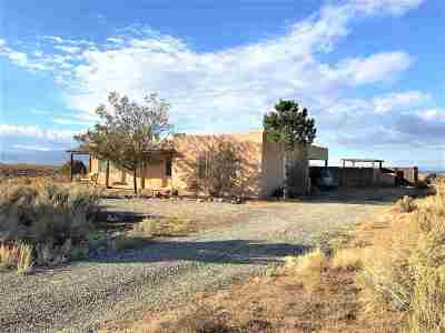 Taos Single Family Home For Sale: 54 Colonias Point