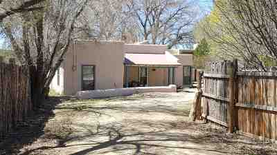 Taos Single Family Home Active/Under Contract: 844 Upper Ranchitos Rd