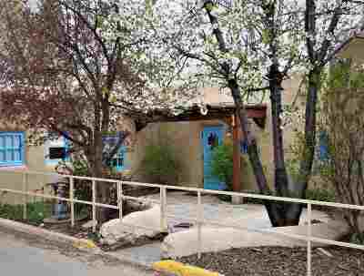 Taos Single Family Home For Sale: 136 Bent Street