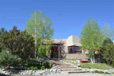 Single Family Home Active/Under Contract: 176 Acequia Madre Del Llano