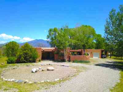 Taos Single Family Home For Sale: 707 Ranchitos