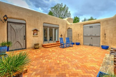 Taos Single Family Home For Sale: 111 Morada Ln