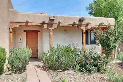 Taos Single Family Home Active/Under Contract: 382 Vegas De Taos