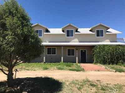 Single Family Home For Sale: 54 Camino Sur Del Llano Quemado