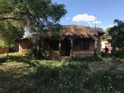 Taos Single Family Home For Sale: 106 De Teves
