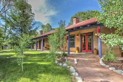 Taos Single Family Home For Sale: 701 Upper Ranchitos Road
