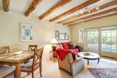 Taos Single Family Home Active/Under Contract: 105 La Loma