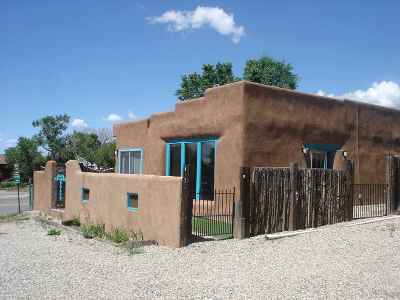 Ranchos De Taos Single Family Home For Sale: 4173 State Road 68