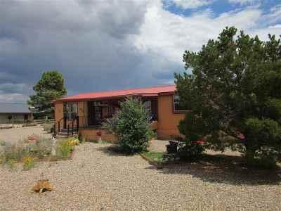 Ranchos De Taos Single Family Home For Sale: 17 Martinez Lane