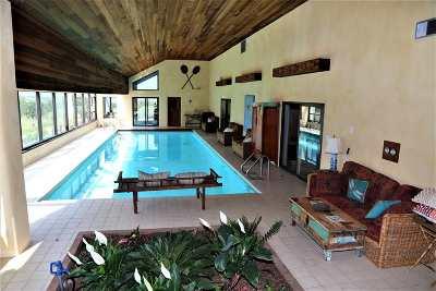 Arroyo Hondo Single Family Home For Sale: 35 Vista Del Mesa