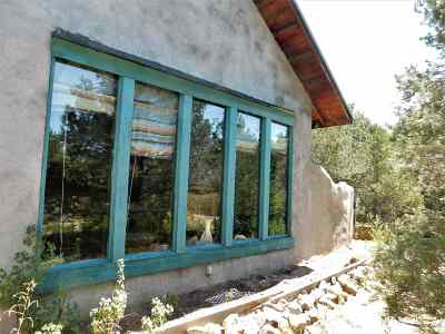 Taos County Single Family Home For Sale: 281 South Carson Road