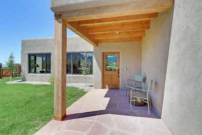 Taos County Single Family Home For Sale: 520 State Hwy 150