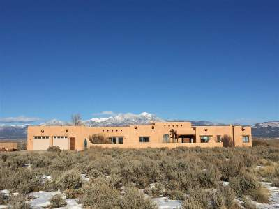 Taos County Single Family Home Active-Extended: 251 Los Cordovas