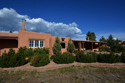 Taos County Single Family Home Active/Under Contract: 7196 State Road 518