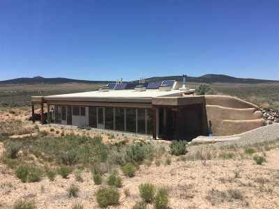 Taos Single Family Home Active/Under Contract: 14 Happy Trail