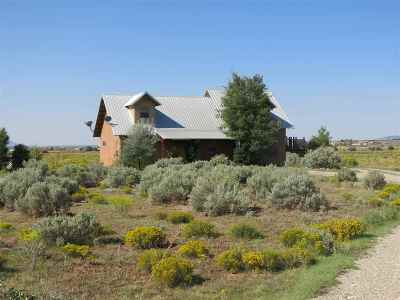 Taos County Single Family Home Active/Under Contract: 27 A&b Day Ln