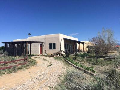 Taos County Single Family Home Active/Under Contract: 63 Blueberry Hill